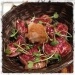 丸太小屋レストラン  びんずる - 刺身でも食べれるさくら肉の丼 さくら丼