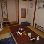 うなぎ割烹 玉勘 - 食事をした小部屋