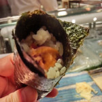 第三春美鮨 - 雲丹の手巻き        エゾバフンウニ 潜水器漁 北海道国後島
