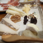 カルピンテーロ - チーズ盛り合わせ