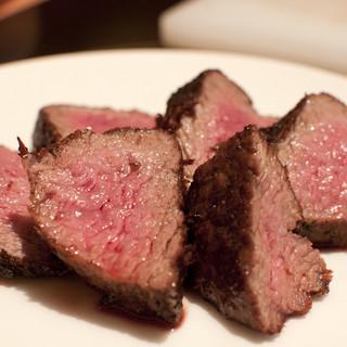 「熟成肉ブロック焼き」コース6000円