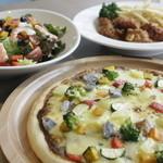 ザファームカフェ - ピザやサラダのテイクアウト・食べ放題実施中!