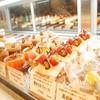 フルーロン - 料理写真:洋酒のしっかりと聞いたこだわりのケーキから、大切な方へのイベントケーキなど各種ご用意しております。