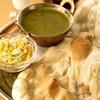 サプラ - 料理写真:ナンとカレーのセットです!ナン・ライスお替わり自由♪