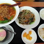 火四季 - レバニラランチ スープをラーメンに変えて 850円