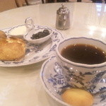 ANNE-MARIE CAFE -