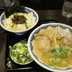 博多麺房 赤のれん - 辛子高菜セット