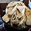 男気らーめん俺の海 - 料理写真:黒醤油らぁめん。野菜盛・肉盛・熟成煮卵・極太メンマ