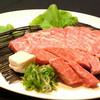 けむり屋 牛力 - 料理写真:ステーキか焼肉か分からないぐらいの 厚みのあるお肉から溢れる肉汁はたまりません!