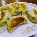 中華家庭料理 雲海 - 焼きギョーザ