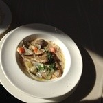 BUONO - メインはお魚はイトヨリ鯛のポワレ アサリクリームソース これにご飯かパンの選択あり