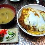 ひら井 - カツ丼¥720(みそ汁、お新香つき)