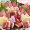 馬桜 - 料理写真:迷った時はこちら。馬刺しで大人気の五種類の盛り合わせです。食べ比べてみて下さいね。