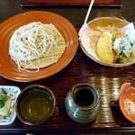 蕎麦 貴賓館 - 季節野菜の天ざる(2200円)