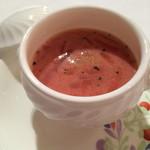 23407874 - ビーツのスープ 香草風味