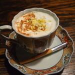 23413352 - シナモンコーヒー。レモンの皮とシナモンの香り。そしてコクのあるコーヒー。。ため息のでる一杯です。