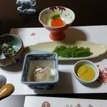 幸楽 - 料理写真:夕食① 刺身こんにゃく&地場惣菜