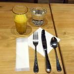 ル・パン・コティディアン - 朝食セット(1,350円+税)のオレンジジュース