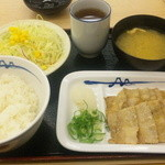 松屋 - 豚バラ焼肉定食550円 (タレをかける前)