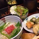 Cafe Restaurant Bの階段 - ダシ茶漬けにミニオムレツとササミの大葉巻き天ぷらが付いて1100円