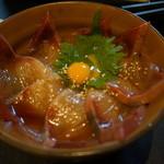 宵 - お昼の人気メニュー 東丼(漬け丼)