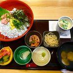 和彩 八倉 - しらすネギトロ丼(1600円也)