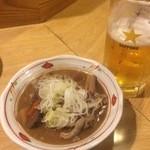 地酒と宮城のうまいもん処 斎太郎 - もつ煮込み 店長のオススメをお願いした