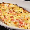 メルティングポット - 料理写真:ベーコンと玉葱のタルトフランベ