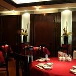重慶飯店 - 昼間でも落ち着いた雰囲気で、ゆっくり食事ができる。
