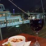 ハーバーズカフェ - 赤ワインとナッツ&チーズ