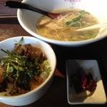 龍旗信 - チャーシュー丼(400円)+食べかけラーメン