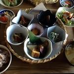 オーガニックカフェ チャント - 日替り 花ランチ(1,250円)