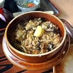 海宝 - 料理写真:牡蠣釜めし