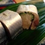 秋刀魚 - さんま寿司アップ