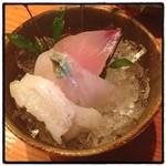 魚料理 ろっこん - 焼魚定食の一品 お刺身