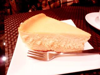 MOAI - どっしりとボリュームのあるチーズケーキ