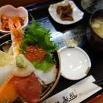 照寿し - 料理写真:照寿司海鮮丼!(\840)