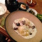 隈本総合飲食店 MAO - 日替わりランチ 鶏豆腐つくねの白菜包み ホワイトシチュー煮込み