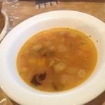 トゥレンタ - ランチのスープ。野菜たっぷりのやさしいお味♪