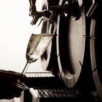 樽生ワインサーバー(スパークリングワイン、赤・白ワイン)