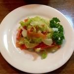 洋食 大かわ - 150円でたっぷり♪サラダ