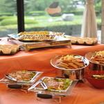 カフェ・ダール ミュゼ - 料理写真:ミュゼでは大人数の貸し切りパーティーや、ウェディングの2次会など随時承っております。