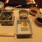 梅の花 - 料理写真:嶺岡豆腐、お浸し、湯葉煮