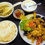 泰陽飯店 - 豚肉ときくらげの玉子炒め定食¥630