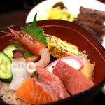 牛たん炭焼き 利久 - 海鮮丼