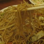 新海龍 - 焼きそばというより、中華麺3玉のソース煮込み