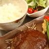 きゅうろく 鉄板焼屋 - 料理写真:【ランチ限定ハンバーグランチ】ライス(おかわり自由)、サラダ、スープがついてナント980円