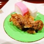 おさらぎ - 蒲鉾(これは旨かった)と帆立の煮物