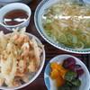 めん勝 - 料理写真:並うどん+玉ねぎかき揚げ
