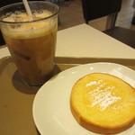 cafe Copana - はちみつトースト、アイスカフェラテ